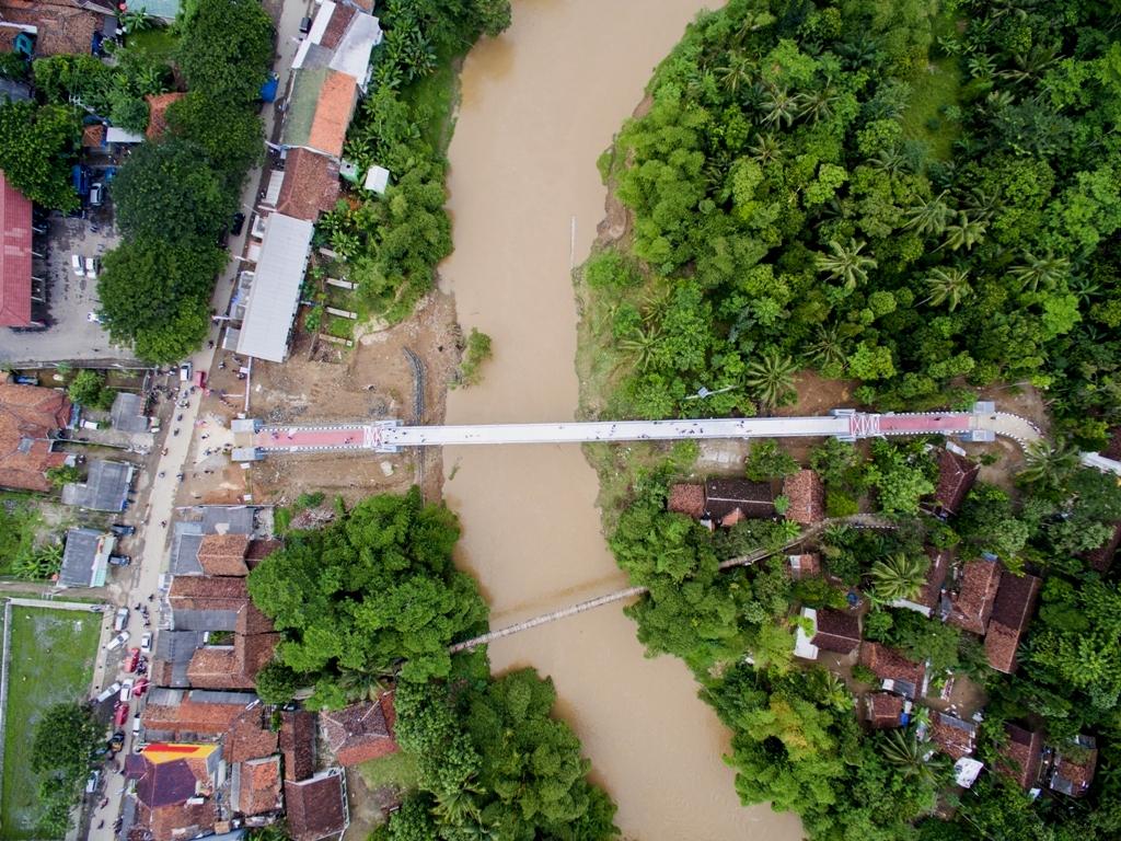 Jembatan Gantung di Bojong Apus, Lebak, Banten