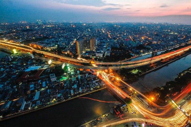 JUARA HARAPAN 1 Kurniawan Mas'ud Senja Jakarta di Tol Dalam Kota