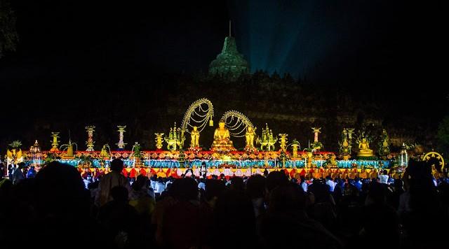 Perayaan Waisak di Candi Borobudur. (Foto: Nuril Huda)