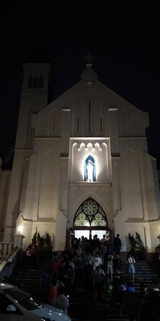 Katedral Bogor diambil pada pukul 18.15